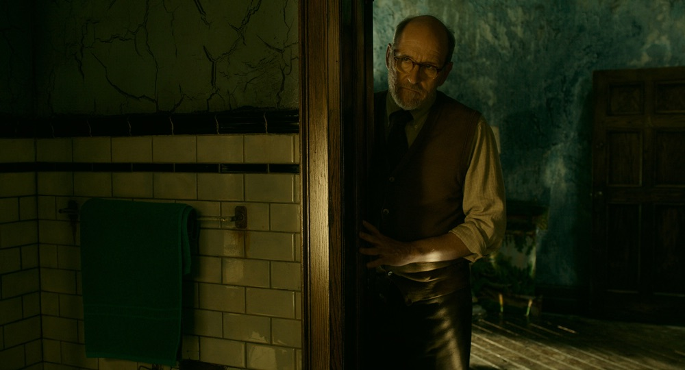 Richard Jenkins in the film THE SHAPE OF WATER. Photo by Kerry Hayes. © 2017 Twentieth Century Fox Film Corporation