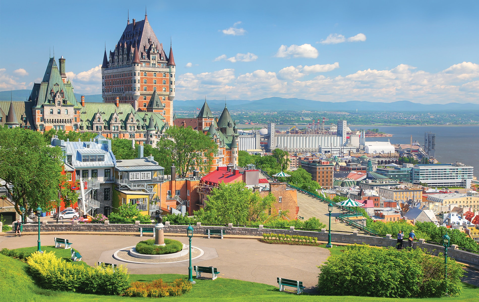 Take a stroll along the promenade for a glorious view of Château Frontenac in Old Québec City.