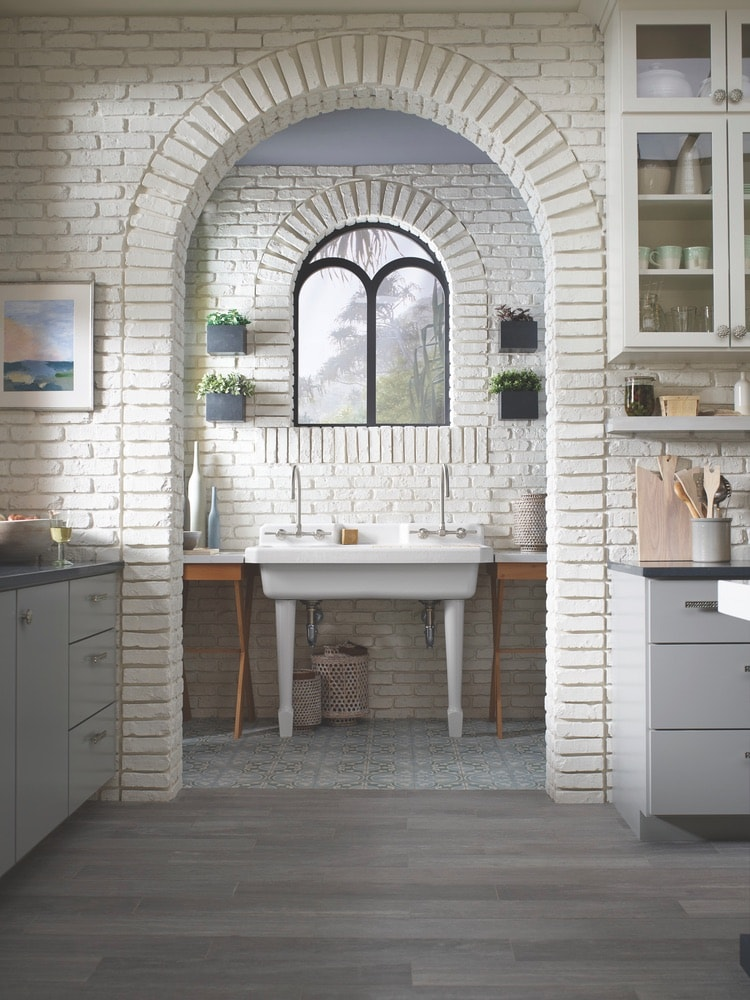Inspired by family and healthy living, the greenhouse kitchen created by Clendenon with Kohler, Silestone, and Benjamin Moore provides a tranquil indoor/outdoor atmosphere that allows its occupants to truly be together.