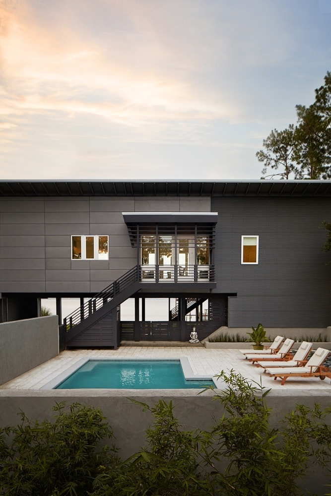 Modern Minimalist Mike Ragsdale's home