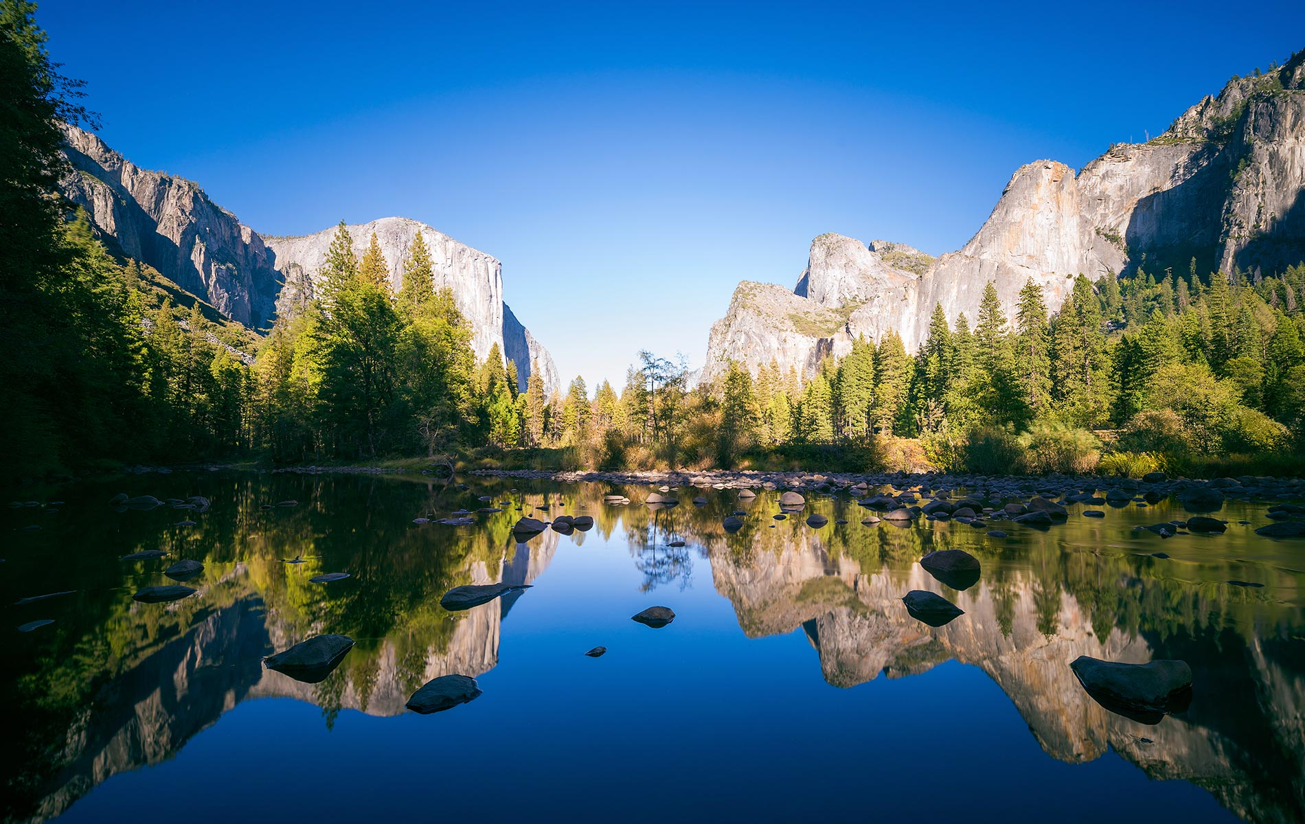 An iconic view of Yosemite National Park in California's Sierra Nevada mountains