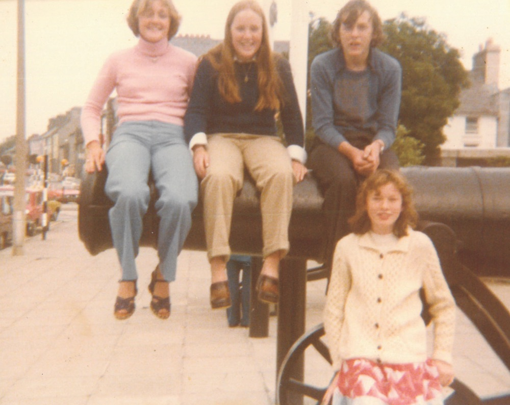 Lisa Burwell (née Ryan) with her sister Laurie and their cousins Peadar and Anne Marie at Leisureland near the Salthill Promenade in Galway City, Ireland.