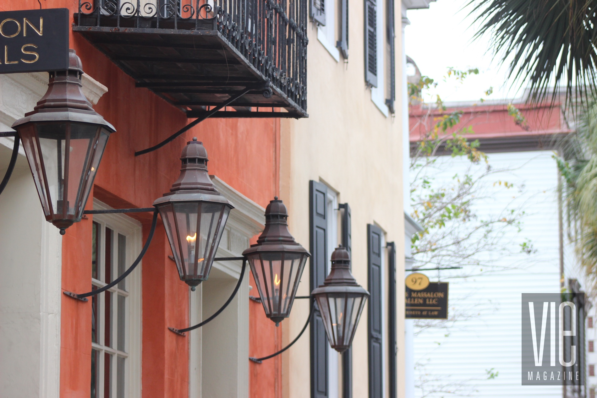 Charleston SC gas lanterns King Street VIE magazine fall 2018
