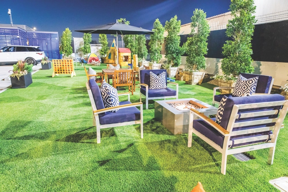 The rooftop lounge and play area is the perfect spot to wait for your flight and catch some sun at The Private Suite in the Los Angeles Airport (LAX).