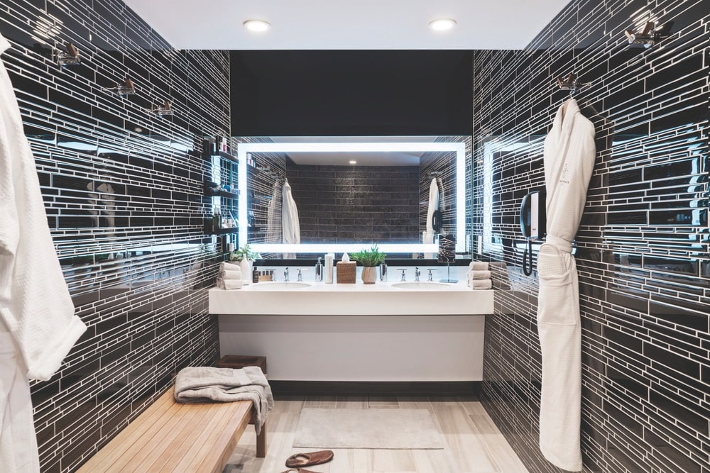Luxurious bathrooms accompany each private suite, and guests can book spa treatments during their stay at The Private Suite in the Los Angeles Airport (LAX).