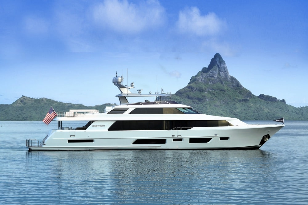 With its contemporary profile and refined interior spaces, Westport's 130-foot (40m) Tri-deck Motoryacht has been designed to offer the very best of the good life at sea.