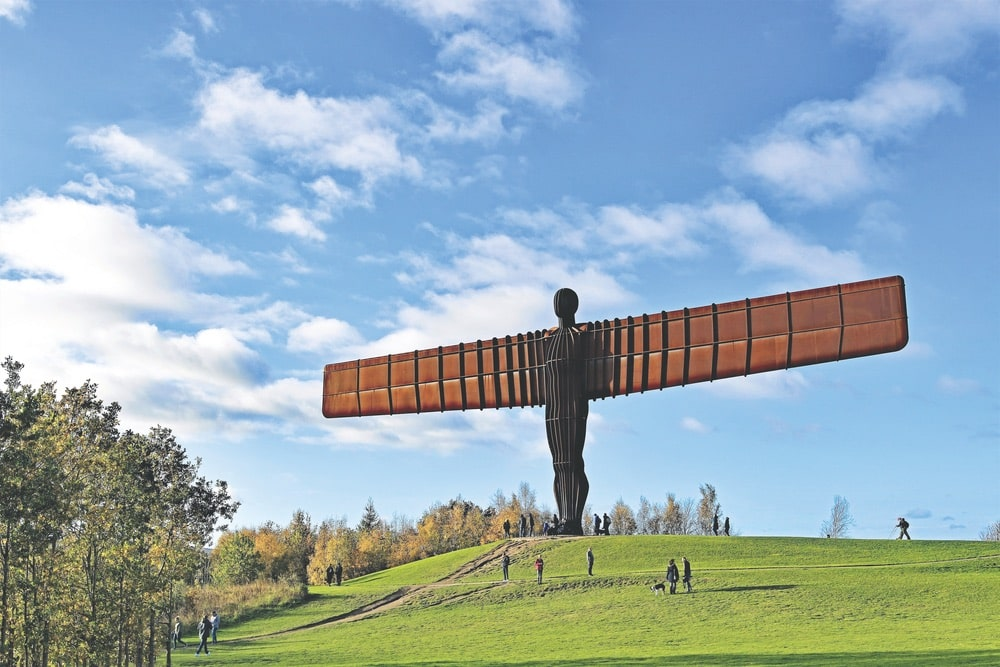 Antony Gormley's Angel of the North, in Newcastle, Tyneside | Photo by Peter is Shaw 1991 / Shutterstock