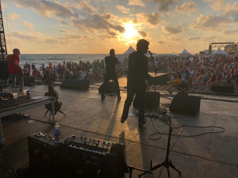 Gin Blossoms perform at SandJam Festival 2018