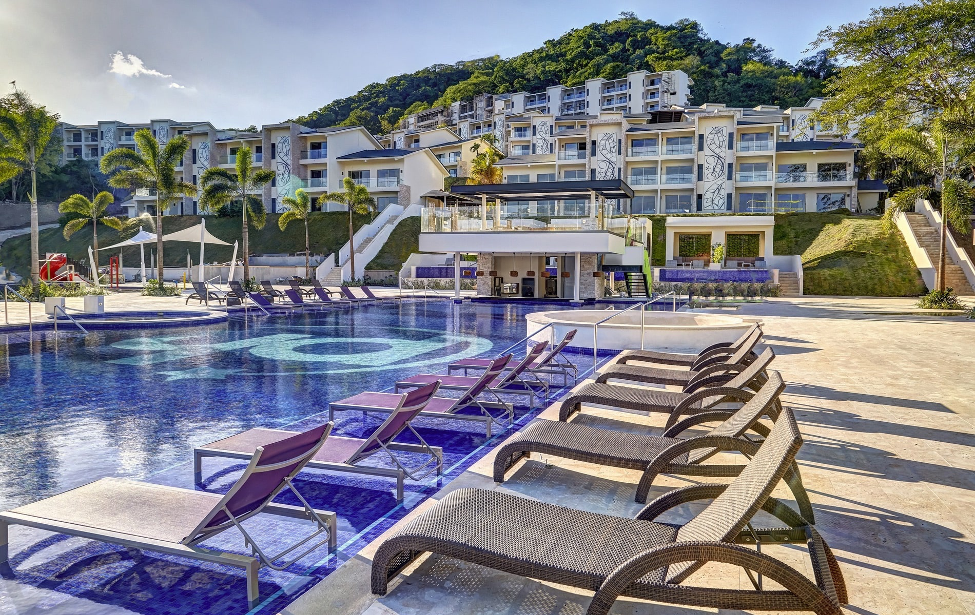 Planet Hollywood has come to Costa Rica with its new star-worthy, all-inclusive beach resort located on Culebra Bay.