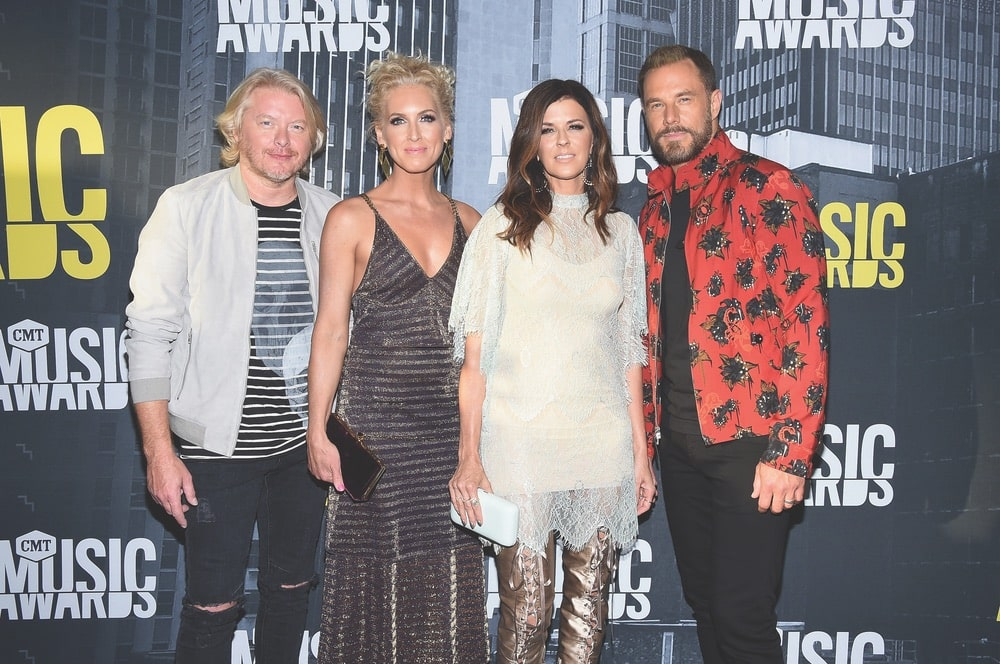 CMT Music Awards, CMT, Music City Center, Nashville, Tennessee, Philip Sweet, Kimberly Schlapman, Karen Fairchild, Jimi Westbrook, Little Big Town