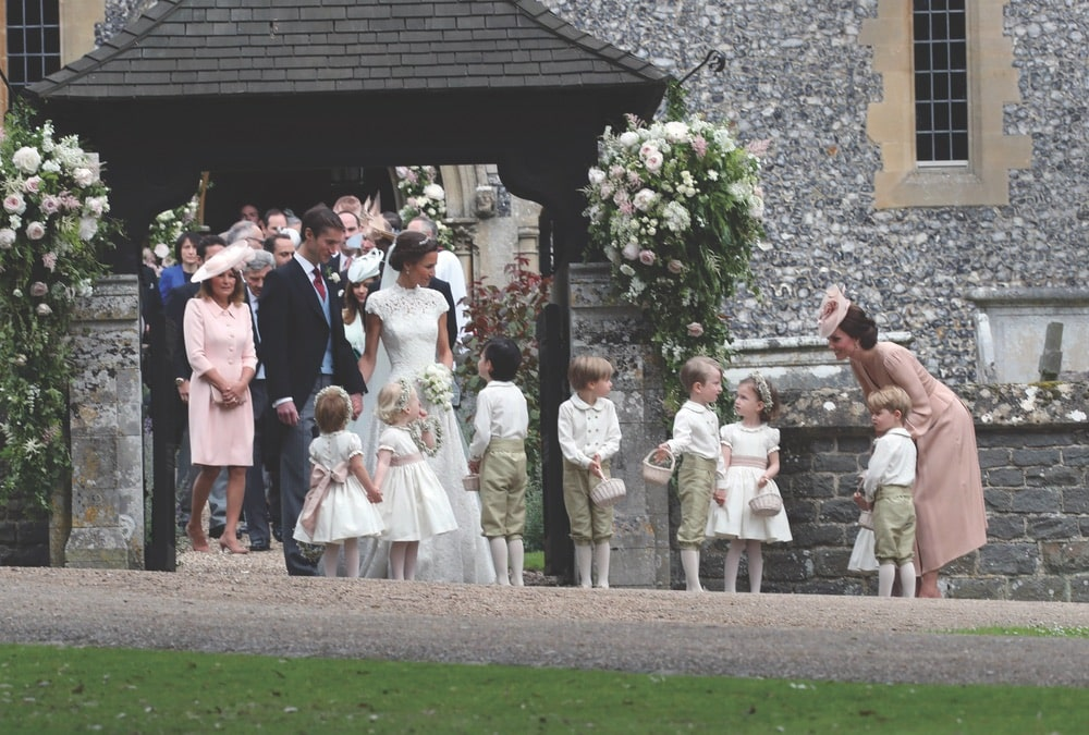 Royal Family, Royals, People, Wedding, St Mark's Church, Church, Church Service, Religion, Englefield Green, Englefield, James Matthews, Pippa Middleton, Pippa Matthews, Wedding Dress, Giles Deacon, Giles Deacon Dress, Giles Deacon Wedding Dress, Vertical, Full Length