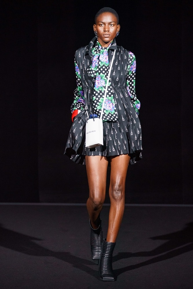 balenciaga, balenciaga f/w19, balenciaga fall/winter 2019, runway fashion, paris fashion week