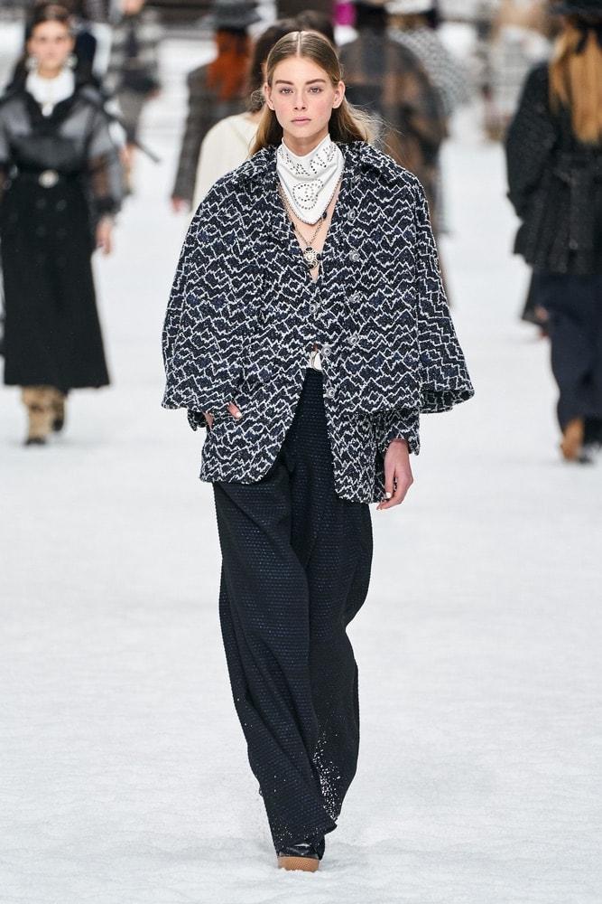 chanel, chanel f/w19, chanel fall/winter 2019, runway fashion, paris fashion week