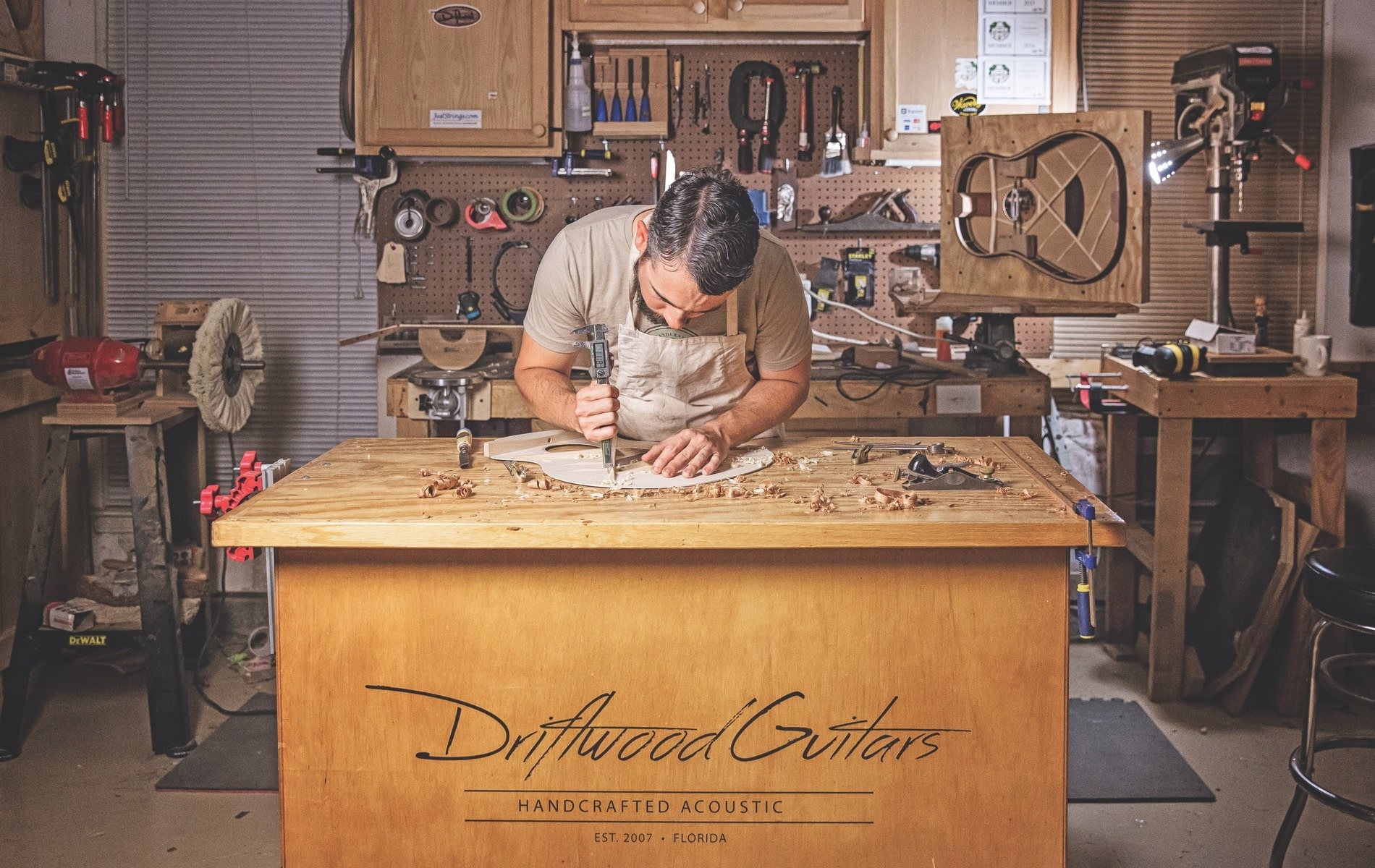 Chris Alvarado, Driftwood Guitars