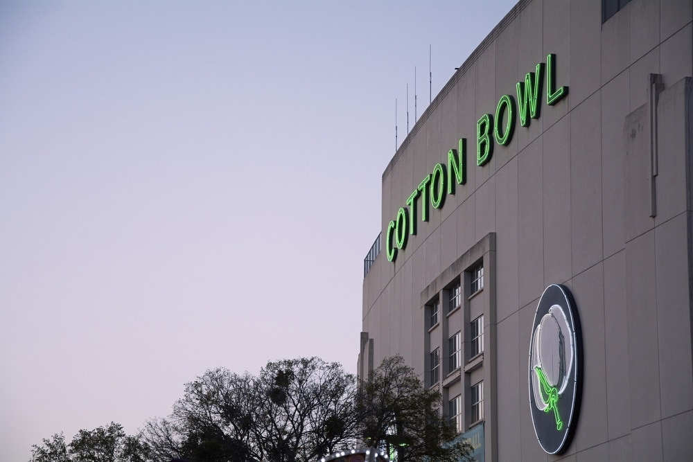 cotton bowl building at the Texas state fairgrounds in dallas P