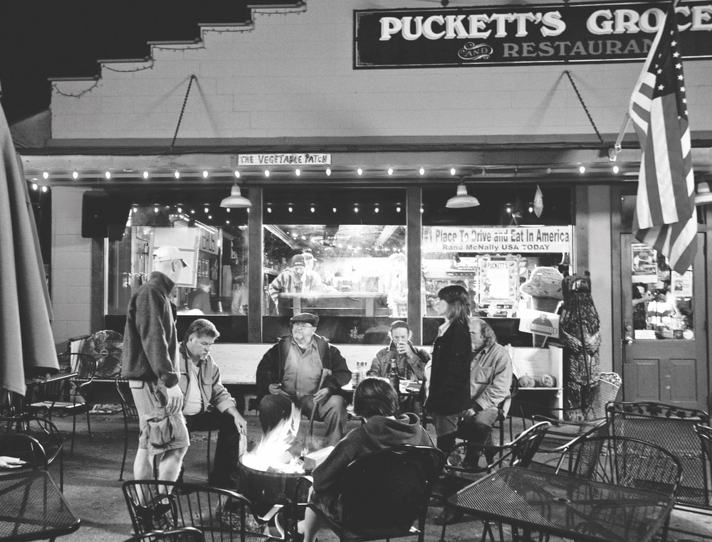 Entertainment is never in short supply at Puckett's Grocery and Restaurant.
