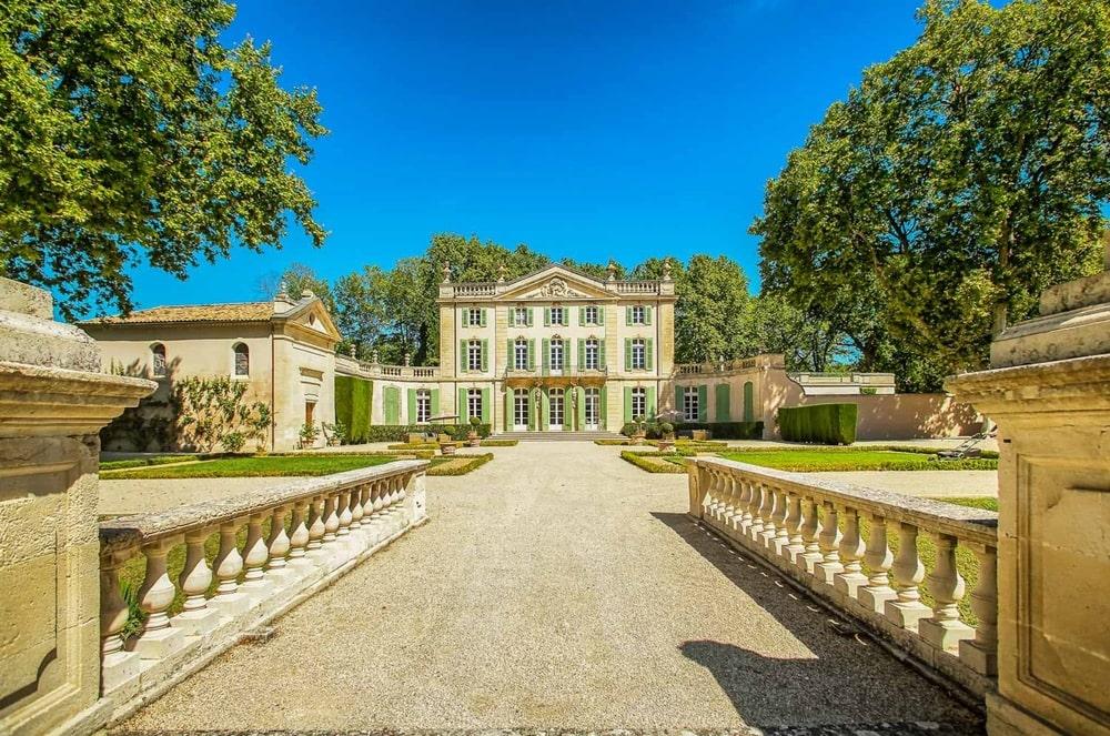 VIE Magazine, The Idea Boutique, Airbnb, Airbnb Rentals, Top Airbnb Rentals Around the World, Chateau Ventoux