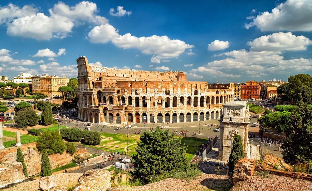 VIE magazine blog webcams at famous places Roman Colosseum