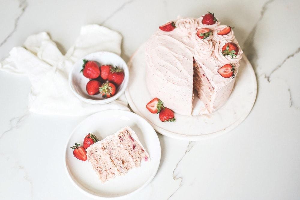 Elisabeth and Butter, Elisabeth & Butter, Brenna Kneiss Photo Co, VIE Magazine Bon Appetit Department Page, Strawberry Cake Recipe