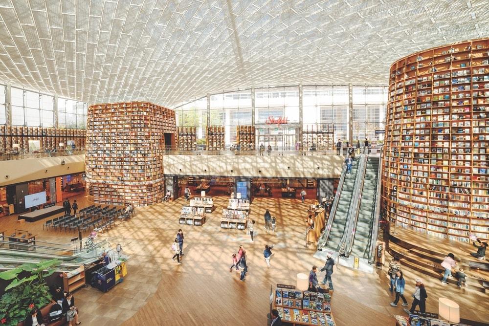 VIE Book Club, VIE Magazine Book Club, Starfield COEX Mall, Starfield Library