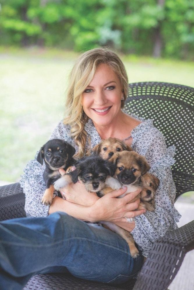 Laurie Hood, Alaqua Animal Refuge