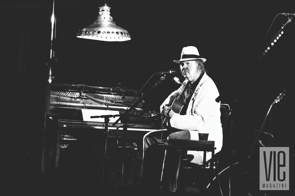 Neil Young black and white guitar music vie magazine