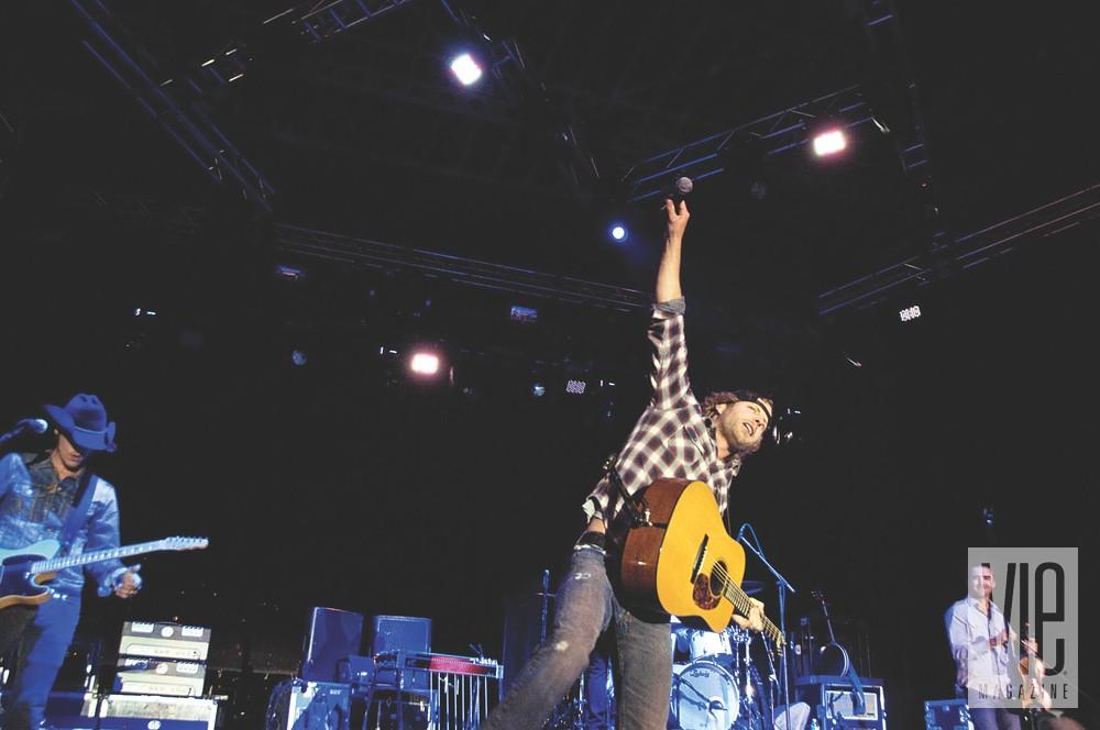 Deluna Fest Pensacola Beach Dierks Bentley Concert