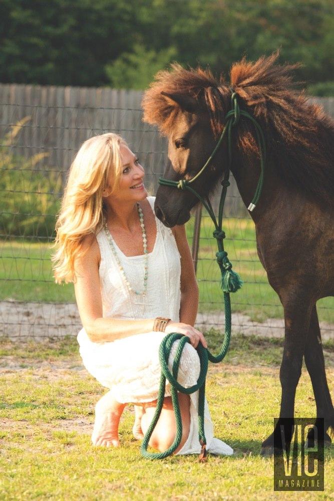 Vie Magazine Alaqua Animal Refuge Laurie Hood Shetland Pony