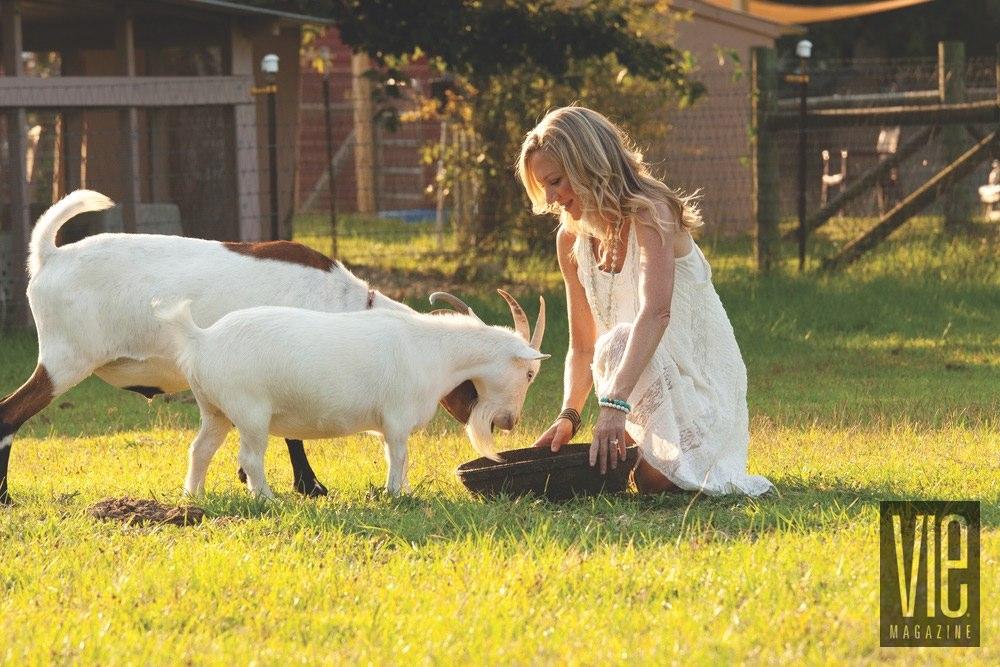 Vie Magazine Alaqua Animal Refuge Laurie Hood goats
