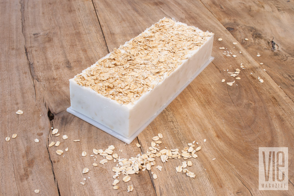 Soap molded with oat flakes