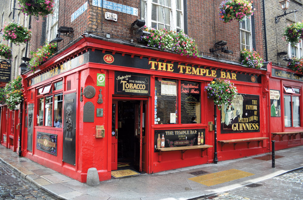 The Temple Bar in Dublin, Ireland 2015 Travel Issue Vie Magazine