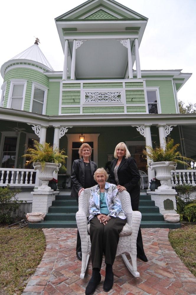 Carol Harris, Alice Jean Gibbs, and Lynn Wilson Spohrer