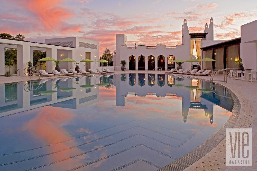 Vie Magazine jack gardner sunset over caliza pool alys beach
