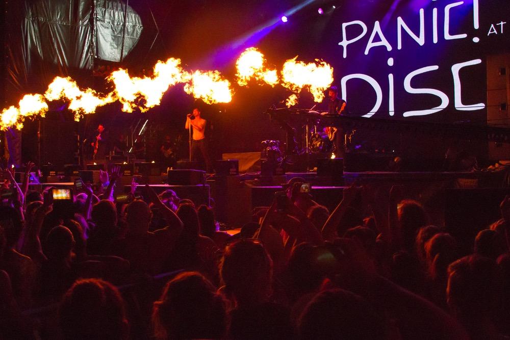 Hangout Music Fest 2016 Panic at the Disco VIE magazine