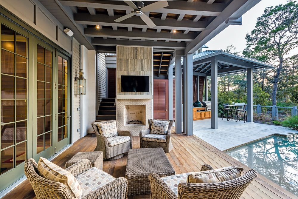 Outdoor patio Savoie Architects Sugar Beach Interiors