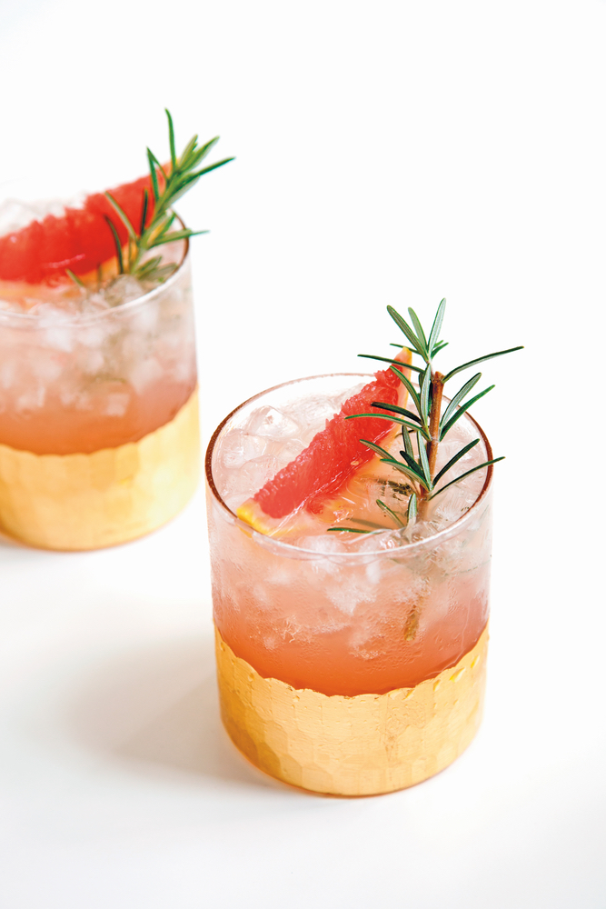 Sparkling Ice Grapefruit Cocktail with Rosemary