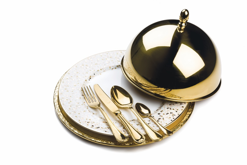 "Four-Piece Palace ""Oro"" Set"